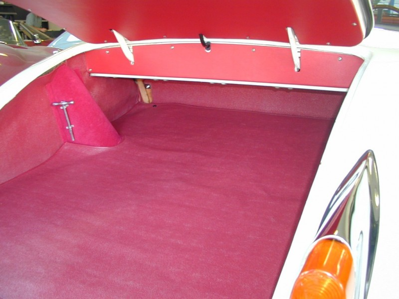 1960 Jaguar Xk150 Paradise Garage Service And Parts For Citroen And Peugeot
