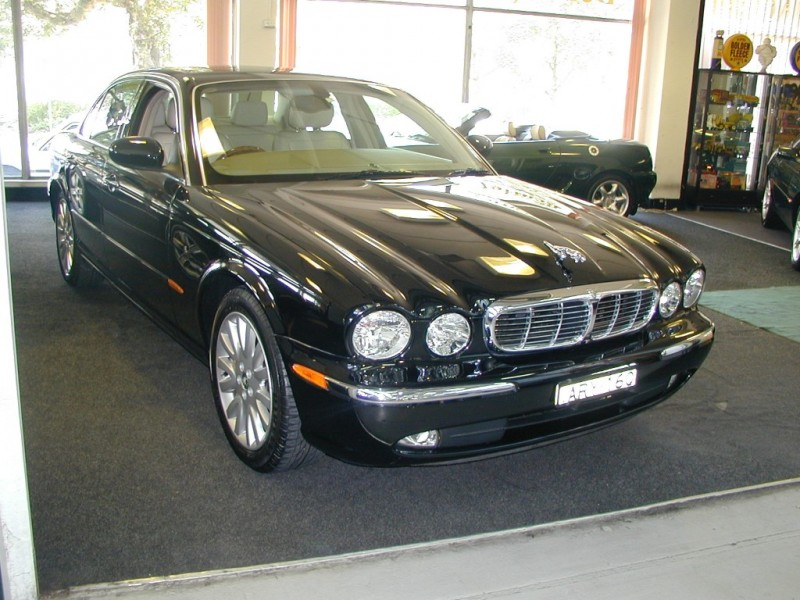 2004 jaguar xj8 x350 paradise garage service and parts. Black Bedroom Furniture Sets. Home Design Ideas