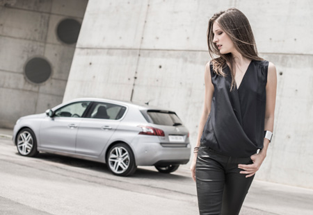peugeot-308-2014-european-car-of-the-year-2